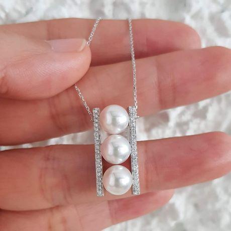 Ciondolo Otohiko Oro Bianco. 3 Perle Akoya, Diamanti
