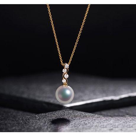Ciondolo e Orecchini perle Akoya del Giappone. Oro giallo e Diamanti
