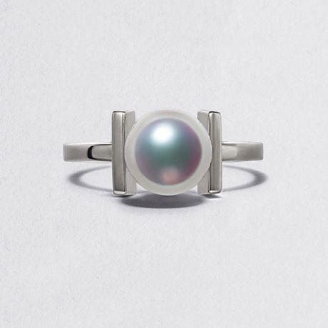 Anello Moderno perla Akoya del Giappone e Oro Bianco 18 carati