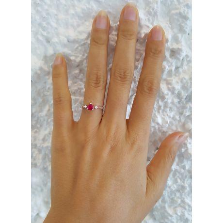 Anello con rubino taglio cuore - Diamanti, oro bianco 18k