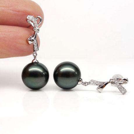 Orecchini fiocco - Pendenti oro bianco -  Perle di Tahiti nere, verdi - 10/11mm