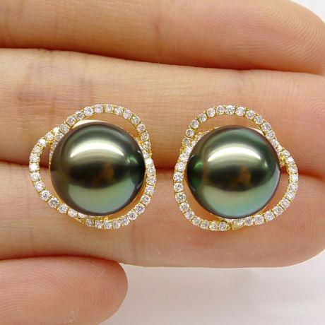 Orecchini ellittici in oro giallo - Perle di Tahiti, corona di diamanti