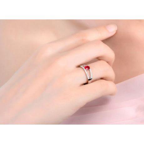 Anello Fioretto - Rubino oro bianco e diamanti incastonati