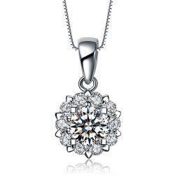 Ciondolo in oro bianco e diamanti. Cuore di Pietra