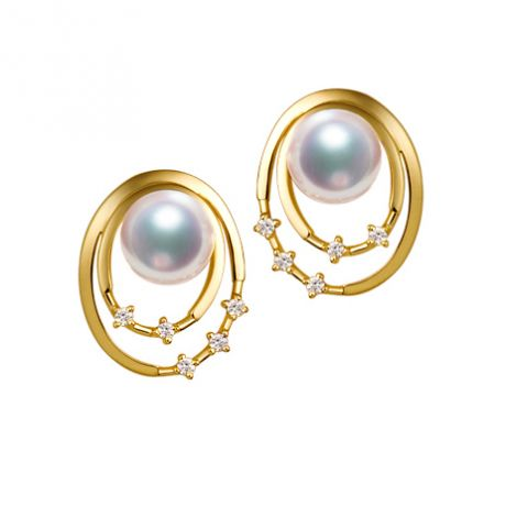 Orecchini perle Akoya bianche. Oro giallo, diamanti. Motivo
