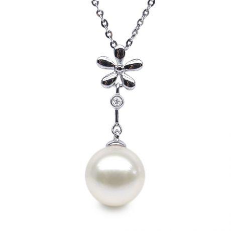 Ciondolo fiore oro bianco - Perla d'acqua dolce bianca sospesa